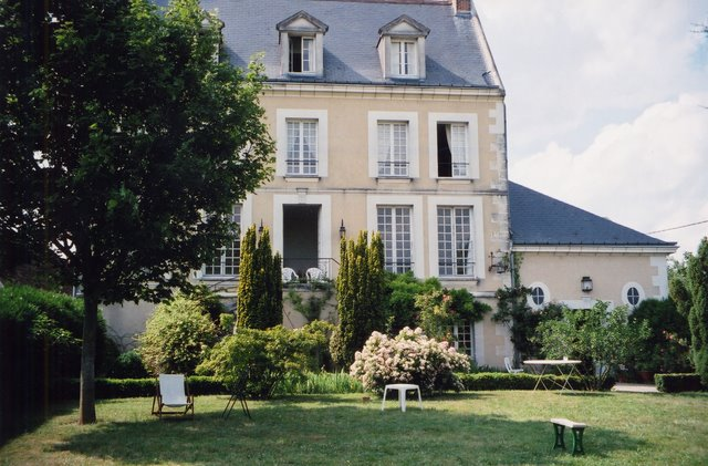 Bed and breakfast loire valley chateaux huchepie manor b b france - Chambre d hote moutiers les mauxfaits ...